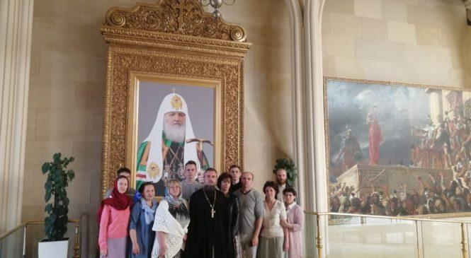 Наши друзья из храма Христа Спасителя встречают «Малую церковь»