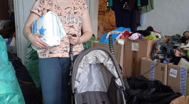 Вещи и детская коляска